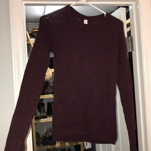 Lululemon burgundy sweater size 4